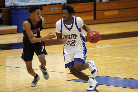 Varsity Boys Basketball Extends Win Streak To Three With Win Over Highland Park