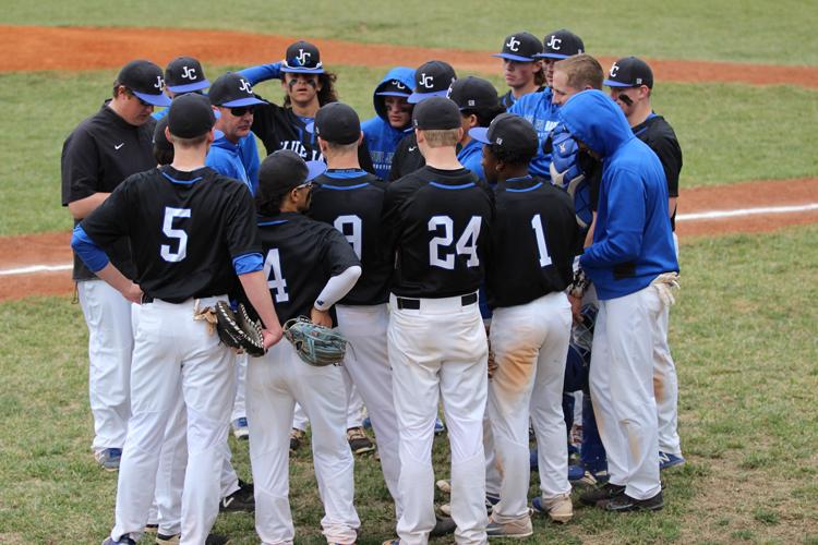 PHOTOS: Varsity Baseball vs Seamen